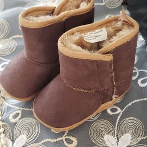 Baby boots old navy